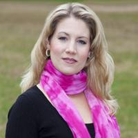 Laurelyn Watson Chase :: soprano